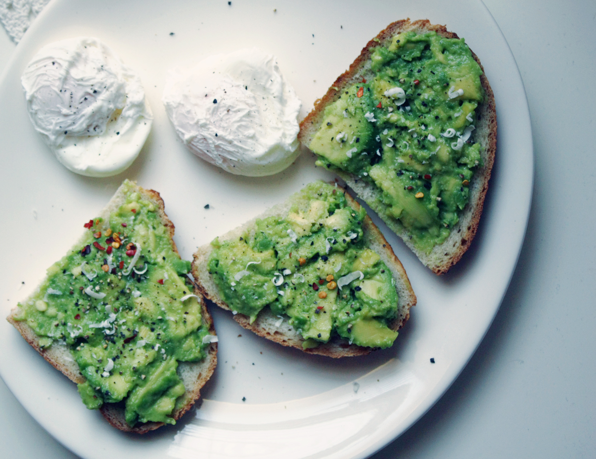 avocado on toast with chilli flakes